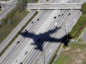 У США літак здійснив вимушену посадку через роздягнутого догола пасажира