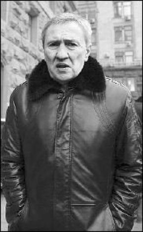 Черновецький саджав дерева в куртці за 12 тисяч доларів