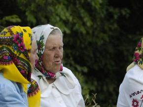 Британські вчені розповіли про призначення бабусь