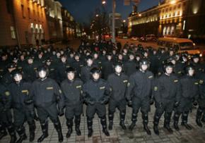 Парламент Білорусі дозволив КДБ і МВС проводити арешти без санкцій прокурора
