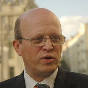 Депутат Зварич побив інваліда дитинства