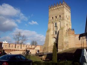 У Луцькому замку через фестивалі з'явилися тріщини