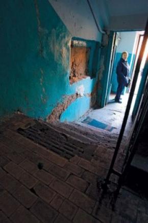 У Києві виборці почали міняти свої голоси на ремонт під'їздів