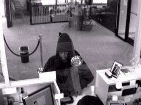 Нападниця з дефектом мови двічі не змогла пограбувати банк