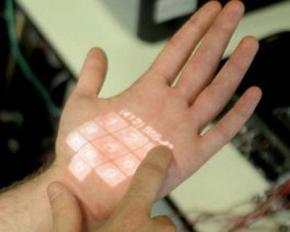 Ученые спроецировали сенсорные клавиши на ладонь