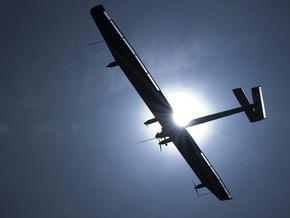 У Швейцарії літак на сонячних батареях успішно здійснив перший тривалий політ
