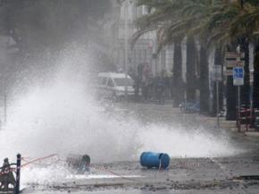Гігантські хвилі обрушилися на південний захід Франції. Такого не було 130 років
