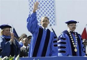 Обама стал почетным доктором юридических наук