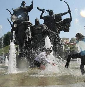 В Україні буде дуже спекотно: від +35. Літо вже б'є рекорди