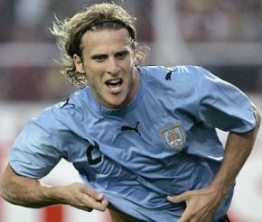 Кращим гравцем ЧС-2010 визнаний Дієго Форлан