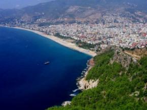 В отелях Турции продавали водку, разведенную с мочой