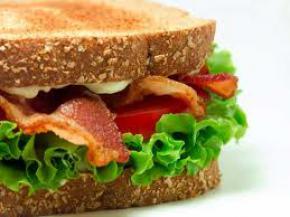 Получив пулевые ранения американец сначала съел сэндвич а потом пошел в больницу