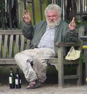 Чоловіча життя коротше жіночого через паління та алкоголь