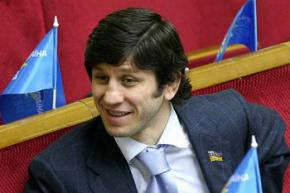 Депутат від ПР про Луценка: За допомогою самоушкодженню від відповідальності не втечеш