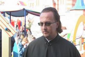 Украинский священник Николай Несправа решил пожить с людоедами