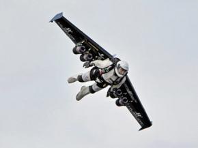 Швейцарец пролетел над Гранд-Каньоном на самодельных крыльях
