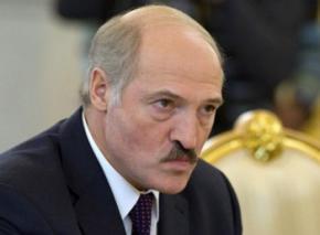 Лукашенко требует выгнать из страны российские СМИ