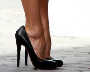 Высокие каблуки повышают риск развития артрита