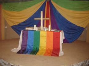 Українські геї відкрили в Києві і Донецьку власні церкви.