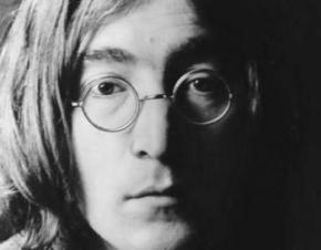Диск с автографом Леннона продан за $39 тыс.