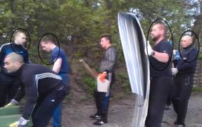 Нападники на будинок київської вчительки Ніни Москаленко і ті, що напали на журналістів на мітингу опозиції у Києві 18 травня - одні й ті ж люди?
