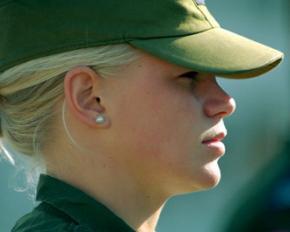 Женщин в Норвегии будут призывать на обязательную военную службу