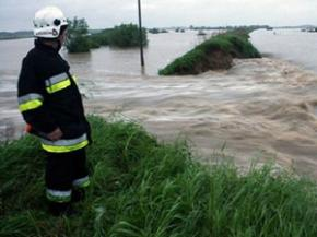 Украинские спасатели готовы к приему большой воды с западной Европы