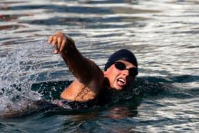 Мировой рекорд австралийской пловчихи сорвали медузы