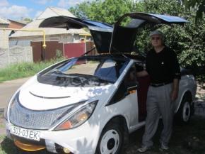 Донецкий пенсионер собрал суперкар из металлолома