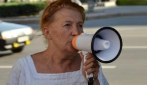 Міліція повертається до методів КДБ: у Запоріжжі неугодну владі активістку закрили в