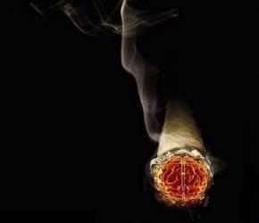 Курение провоцирует алкоголизм - исследование