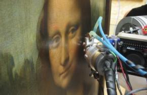 В Италии эксгумируют останки родных Джоконды, чтобы разгадать тайну улыбки Моны Лизы