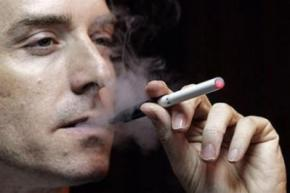 Электронные сигареты опаснее обычных с табаком - ученые