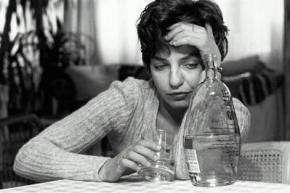 Жінки спиваються швидше за чоловіків, - вчені