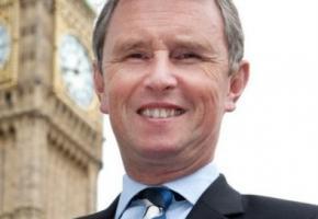Найджел Эванс - вице-спикер британского парламента подозревается в восьми изнасилованиях мужчин