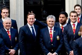 Регбист поставил британскому премьеру