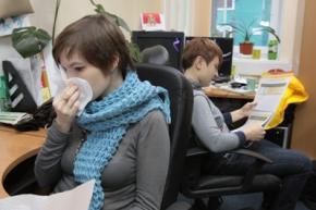 Больной гриппом работник за день заражает семь коллег, - исследование