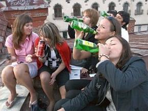 Ученые объяснили тягу подростков к алкоголю