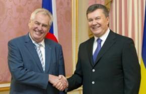 Янукович успокаивает ЕС, что законопроект по Тимошенко вскоре будет внесен в парламент