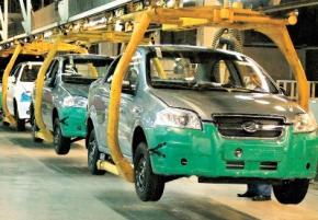 Производство автомобилей в Украине упало почти вдвое