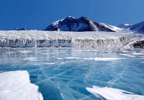 Ще одна причина стрімкого танення льодовиків в Антарктиді - діючий вулкан на глибині 1 км під льодом
