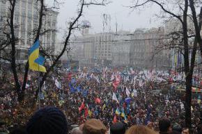 На Майдане новость о срыве ассоциации встретили слезами, криками