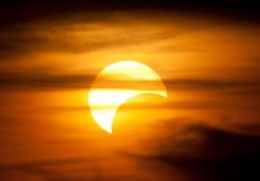 У 2014-му році жителі землі спостерігатимуть два місячних і два сонячних затемнення