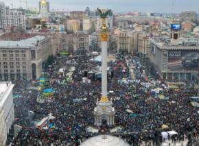 Евромайдан напоминает и власти, и оппозиции о своей Хартии