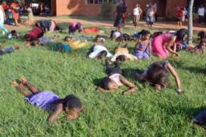 Проповідник закликав паству з'їсти церковний газон, щоб наблизитися до Бога
