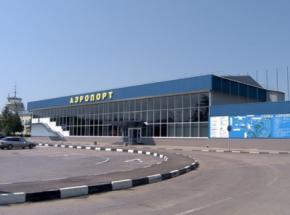 Російські війська в Криму блокують аеропорти