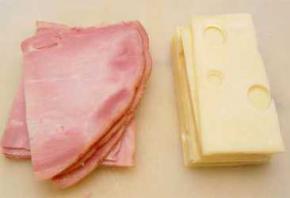 Мясо и сыр губят здоровье так же, как никотин, - ученые