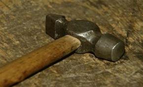 В Чернигове ученик нанес 20 ударов молотком по голове учительницы