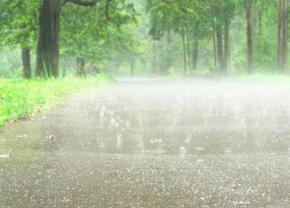 Цілий тиждень в Україні будуть лити дощі