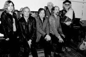 Музыканты REM, Nirvana и Sleater-Kinney объединились в супергруппу